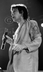 Mick Jagger between verses [The Rolling Stones - Freedom Hall, Louisville Ky 11-3-81]