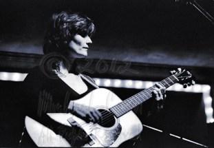 Michael Conen - Linda Thompson acoustic horizontal 3 [Richard &