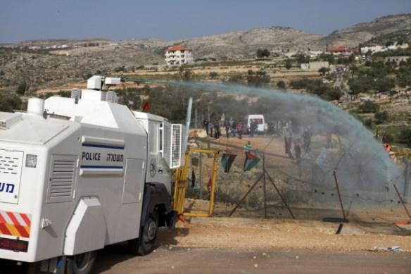 Zionists using 'skunk spray' against Palestinians