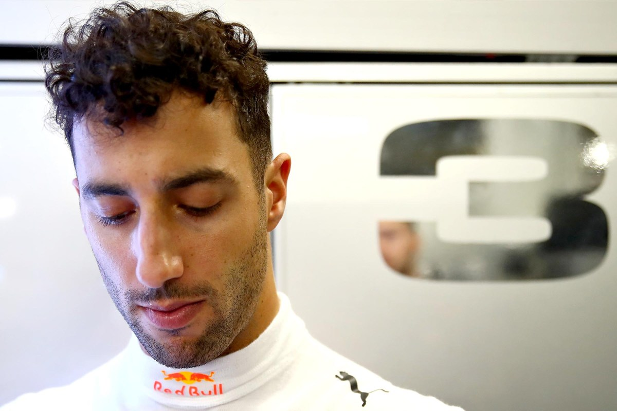 Daniel RIcciardo in his garage at the 2018 Japanese Grand Prix.