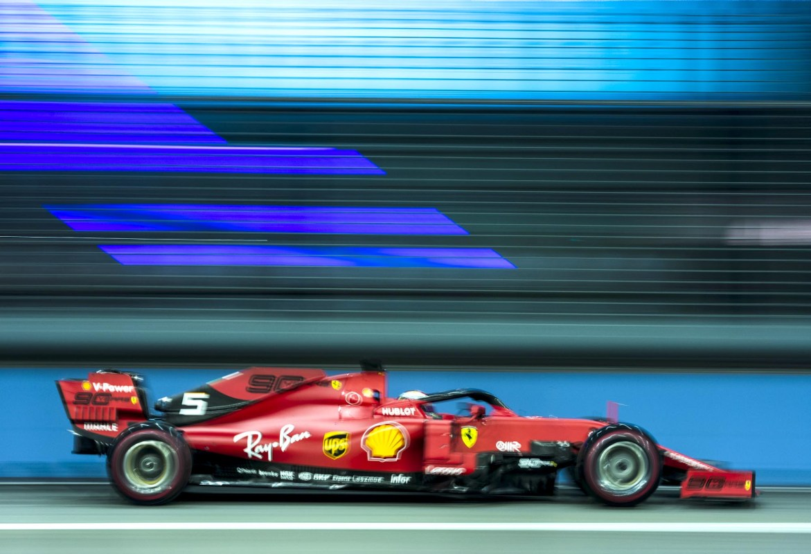 Sebastian Vettel on track at the 2019 Singapore Grand Prix