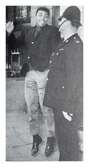 Ali in Nottm 1963 CkGwyNpWEAE_JmV aa0960h