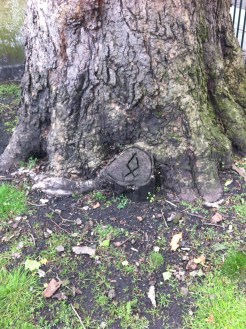 Not the same symbol, found in Bunhill Fields Burial Ground