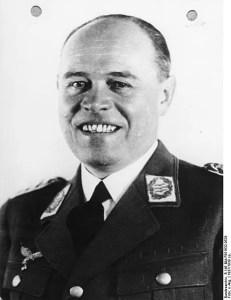 462px-Bundesarchiv_B_145_Bild-F051632-0526,_Albert_Kesselring