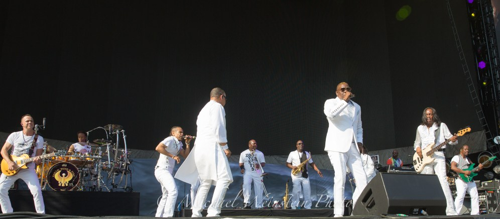 Earth Wind & Fire The Classic West 2017 Dodger Stadium