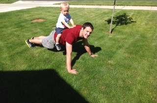 The-Best-Upper-Body-Exercise-For-Dad-320x210