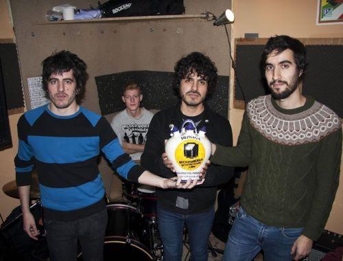 La banda de punk Biznaga nos transmitió sus sensaciones antes de grabar su segundo LP Sentido del espectáculo, tras su debut Centro Dramático Nacional.