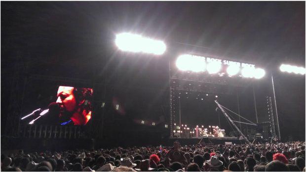 La leyenda de grunge Eddie Vedder gira en solitario
