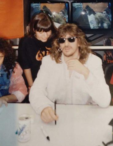 Jose Carlos Molina de Ñu en una firma de discos en Madrid Rock