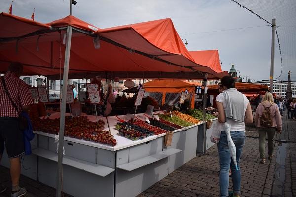 puestos fruta Finlandia verano