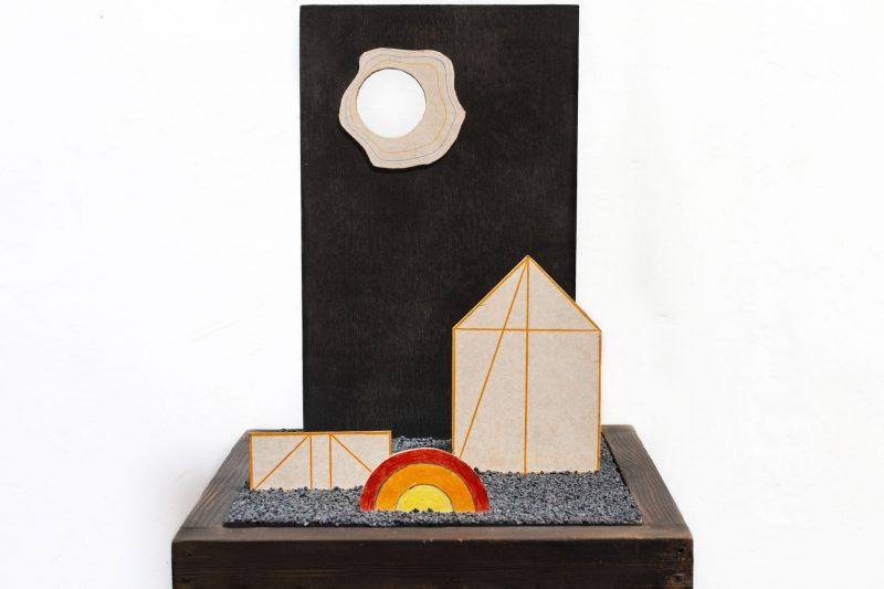Michel Rossigneux - Haïku n°6 - techniques et matériaux divers: bois, carton, crayons de couleur, sable...