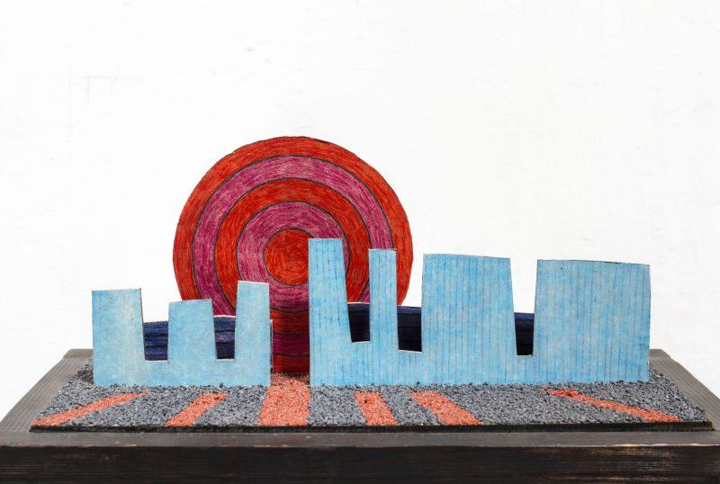 Michel Rossigneux - Haïku n°8 - techniques et matériaux divers: bois, carton, crayons de couleur, sable...