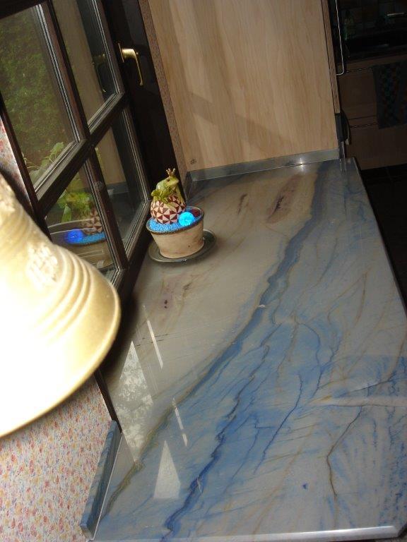 Küchenarbeitsplatte in Naturstein Azul Macaubas
