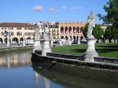 Canale al Prato della Valle a Padova