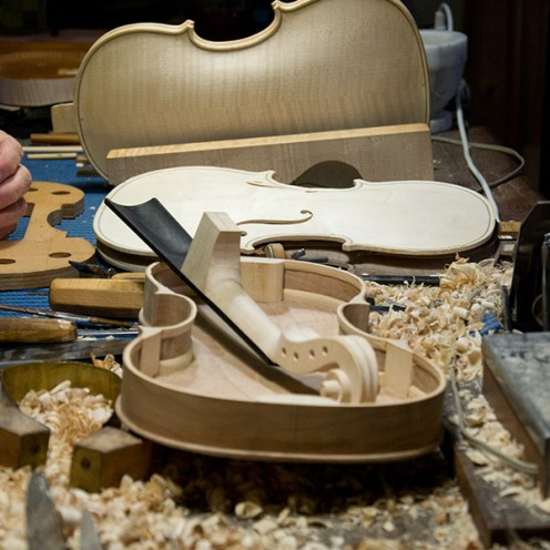 Violin manufacturing in Cremona