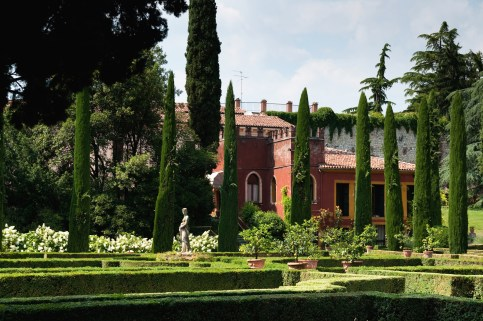 A magnificent Italian garden, which belongs to the Giusti family and was designed in the 16th century