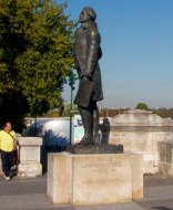 Statue of Jefferson in Paris