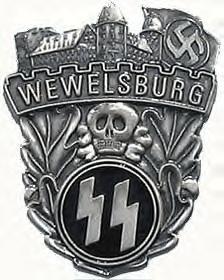 Tout comme les membres de la société Skulls and Bones,à laquelle adhérait Georges W. Bush et John Kerry,principal conseiller d'Obama,les SS  arboraient un crâne comme symbole.