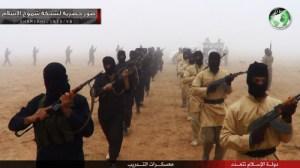 Entrainement des mercenaires d'Al Qaïda en Irak.C'est de cette école du meurtre que les assassins de l'Islam apprennent à tuer.Ils commencent par apprendre sur leurs frères d'Irak et les soldats américains ,avant d'être engagé en Syrie tout en étant armés par la France et les États-Unis d'Amériques.Quelle carte cachée joue actuellement Barack Hussein Obama ,le premier président islamiste des USA?