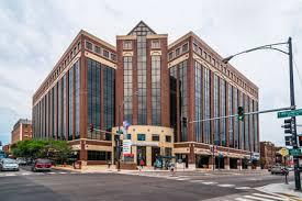 L'Advocate  Illinois Masonic Medical Center de Chicago ...un hopital appartenant aux francs maçons ,dans une ville ou il y a mêmes des buffets maçonniques ...dans un pays fondés par les francs-maçons! Un mystère dans un mystère...