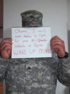 C'est par centaines que les soldats américains s'affichent ainsi contre  l,aggression vers la Syrie ...en alliance avec Al Qaïda.