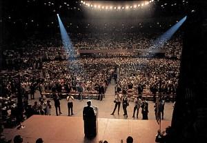 JFK parle à Las Vegas lors d'un voyage de cinq jours aux Etats de l'Ouest américain pour encourager la conservation des ressources naturelles. 28 septembre 1963.