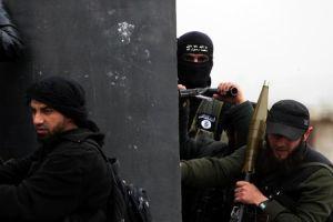 Regardez l'équippement des combattants d'Al Nostra,près d'Alep,le 4 avril 2013.