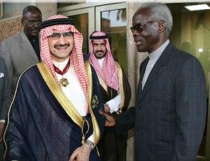 Mathieu Kérékou à droite en compagnie  d'un prince saoudien FM.