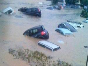 Le 23 décembre 2013,le peuple tunisien a fait face au réchauffement climatique et aux inondations.