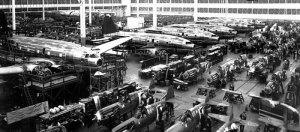 Pendant la Seconde Guerre mondiale, Curtiss-Wright a produit 142 840 moteurs d'avions, 146 468 hélices électriques et 29 269 avions.
