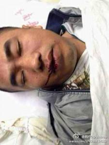 La victime:Cet homme a été tué par l'officier des Chengguan pour avoir tenté de prendre des photos de leur  violence sur  une vendeuse de rue.