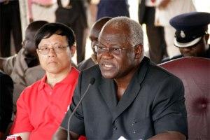 Ernest Bai Koroma contrôle tout le gouvernement du Sierra Leone grâce à son appartenance aux francs maçons et aux Illuminati...depuis 2007.