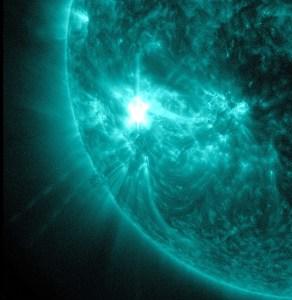 La grande éruption solaire du 15 novembre 2014.