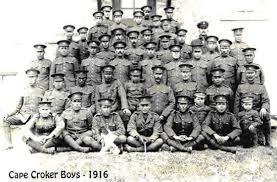 Il y eut de nombreux amérindiens qui se portèrent volontaires pour servir l'Empire Britannique durant la Première Guerre Mondiale.
