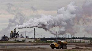 Pendant ce temps ,à Fort McMurray ...la vie des pollueurs capitalistes continue!