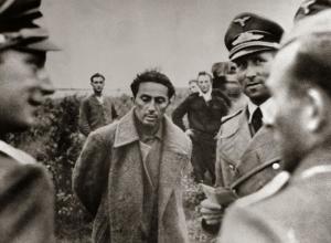 En 1941,le fils de Staline,Yakov Djougachvili,37 ans,était capturé par l'armée allemande.Il sera assassiné par un autre prisonnier russe quelques mois plus tard.