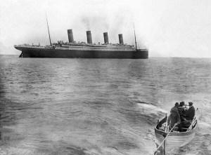La dernière photo prise du Titanic  s,'éloignant vers son destin,en 1912.