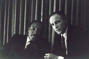 Martin Luther King et Marlon Brando.