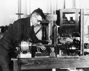 Vannevar Bush fut un grand inventeur,un précurceur de l'informatique et...un franc-maçon d'un haut dégré.