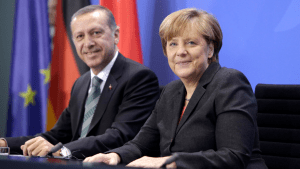 Angela Merkel et Ahmet Davudoglu