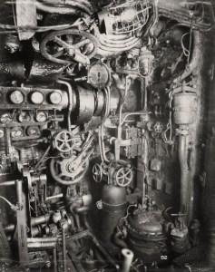 Salle des machines avec le moteur diésel
