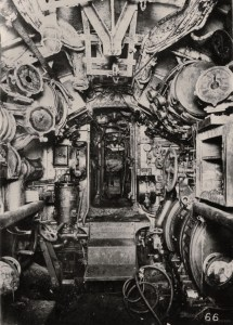 controles électriques vers l'arrière du sousmarin