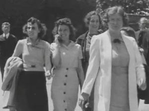 En 2013, une vidéo datant de 1938 qui semble montrer une autre femme en train de parler dans un téléphone portable a fait surface, ravivant ainsi les discussions sur l'existence des voyages dans le temps. Cependant, le petit-fils de la dame en question s'est manifesté pour expliquer qu'elle se souvenait parfaitement de ce moment et que le département des communications de l'usine Dupont (où elle travaillait) disposait de téléphones.