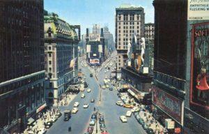 La légende urbaine raconte qu'un homme nommé Rudolph Fentz fut tué par un taxi en juin 1950 à Times Square, New York. Apparemment, il était vêtu à la mode des années 1800, avait une médaille en cuivre, une lettre datée de 1876 et d'autres documents contemporains. Or, hasard ou coïncidence, un policier new-yorkais avait retrouvé la trace d'une personne disparue en 1876 à l'âge de 29 ans.