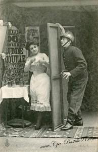 carte-postale-ancienne-pompier-et-femme-0395-377x582