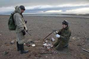 Le gouvernement russe  a envoyé une mission scientifique afin de récolter tous les artefacts.