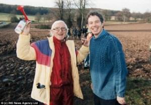 Tony Blair et son ami pédophile Jimmy Saville.