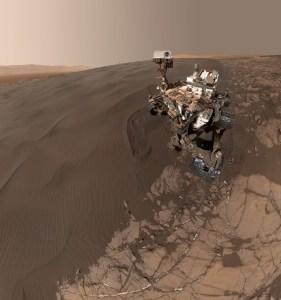 Un selfie par Curiosity.
