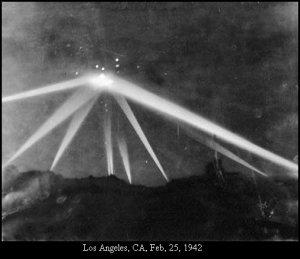 Pour avoir un indice du type d'appareil qui s'est écrasé en Foret Noire,en octobre 1936,il s'agit de regarder la photo de la une du Los Angeles Time du 25 février 1942.Je ferai un article et un vidéo prochainement sur cet événement trop négligé par les chercheurs.