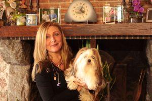 Katia,une fille de Robert Trump et son chien Choupette.